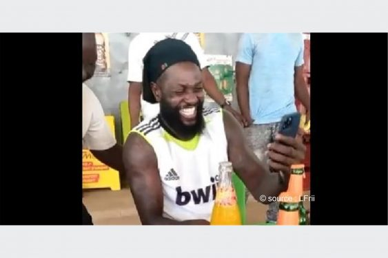 *L-Frii* : Togo / Stars : quand un selfie d'Adebayor et un fan finit en rigolade (vidéo)