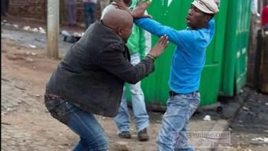 Photo de Cameroun : Combats sanglants entre jeunes et moto-taximen à Douala