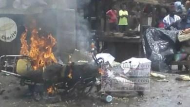 Photo of Cameroun – Justice populaire: Deux présumés voleurs de moto brûlés vifs