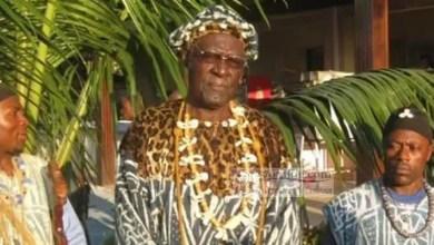 Photo of Cameroun / Chefferie Bangou : les rois Bamendjou et Bazou portent une pétition au gouverneur Augustine Awa Fonkwa signée d'une quarantaine de chefs traditionnels pour dire non à l'imposture !