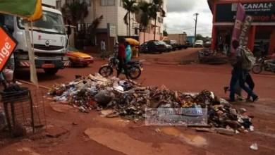 Photo of Cameroun – Hygiène et salubrité : les militaires nettoient Bamenda