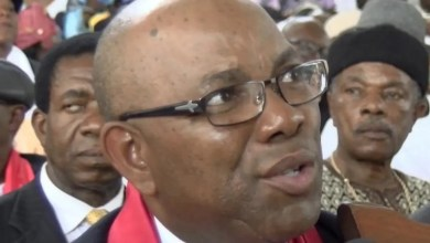 Photo of Cameroun – UPC: L'hon. Bapooh Lipot Robert en mode séduction