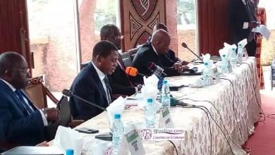 Photo of Conférence semestrielle des gouverneurs: Paul ATANGA NJI remonte les bretelles à Maurice KAMTO