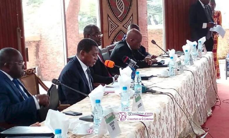 Paul Atanga Nji en conference de presse