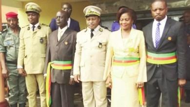 Photo of Cameroun – Efoulan: Le maire et ses adjoints arborent leurs attributs