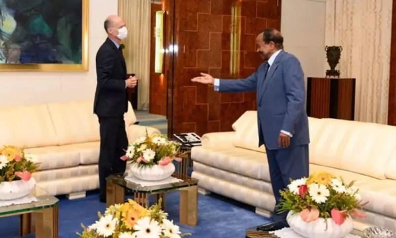 Le président Paul BIYA reçoit Christophe Guilhou