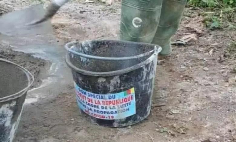 seaux du don présidentiel initialement destinés pour le lavage des mains