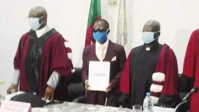Photo of Université de Yaoundé II: Un non-voyant obtient son doctorat en droit privé