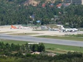 Flugzeuge auf dem Airport von Koh Samui