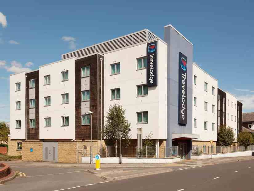 Travelodge Bracknell Central - 247 airport ride