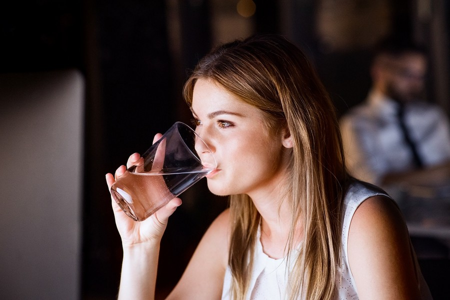 Spożywanie napojów na stanowisku pracy