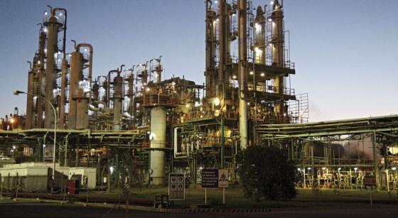 Petroquímica uruguaya cierra dos plantas en Argentina y despide a 120 personas