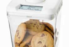 Photo of This Kitchen Gadget Locks Your Cookies Away So You Can't Eat The Whole Box In One Sitting