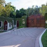 Cher's Beverly Hills Mansion up for Sale