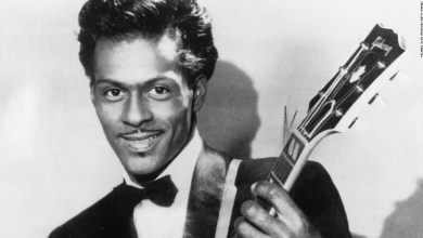 Photo of Rock n Roll Legend Chuck Berry Dies, 90