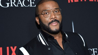 Photo of Tyler Perry steps up to 'bridge unity' between Atlanta cops and residents