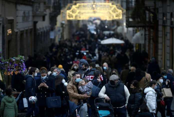 Covid-19 : Londres et l'Italie se reconfinent pour éviter un rebond de l'épidémie