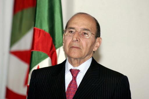L'ancien ministre de l'Intérieur Noureddine Yazid Zerhouni inhumé au cimetière d'El-Alia