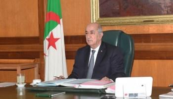 Le président Tebboune signe la nouvelle constitution