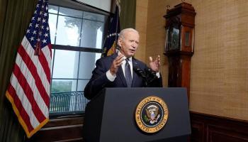 Biden sanctionne durement Moscou et expulse dix diplomates russes