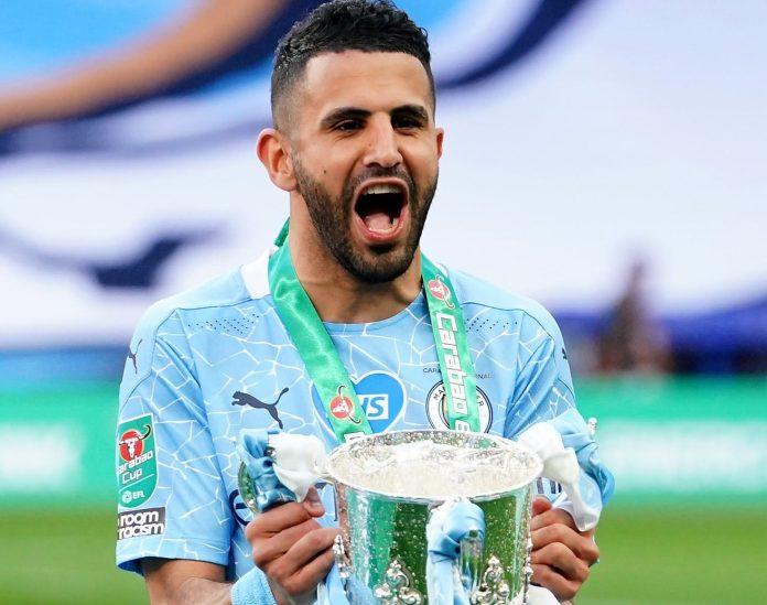 Football: Riyad Mahrez vainqueur de la Carabao Cup avec Manchester City