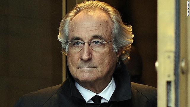 Bernie Madoff, auteur de la plus grande escroquerie financière de l'histoire, à hauteur de plusieurs dizaines de milliards de dollars, est mort à 82 ans dans le pénitencier de Caroline du Nord où il purgeait une peine de 150 ans de prison