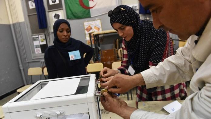 Législatives: début du vote à l'étranger et dans les bureaux itinérants