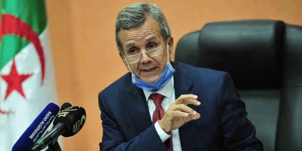 Abderrahmane Benbouzid: L'Algérie a passé commande de 30 millions de doses de vaccin