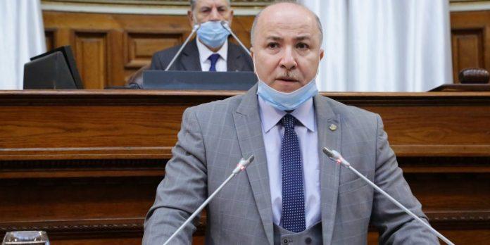 Gouvernement: quatre partis prennent six portefeuilles ministériels