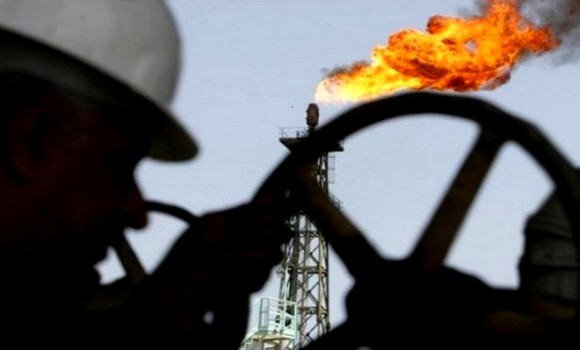 Le pétrole termine la semaine à plus de 82 dollars