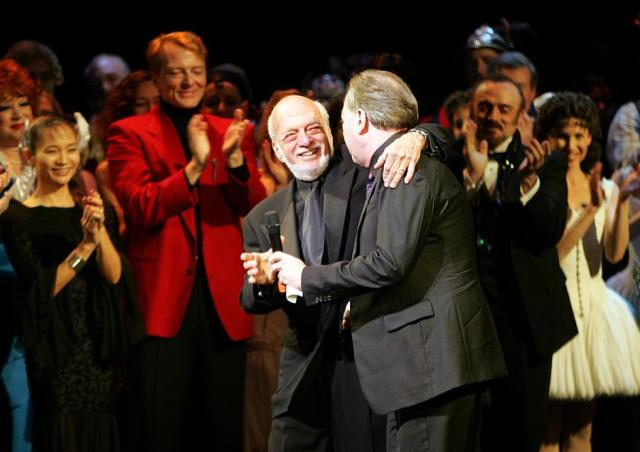 FILE PHOTO: Director Harold Prince and composer Andrew Lloyd Webber greet one another during the curtain call of 'The Phantom of the Opera' in New York | Autor: SETH WENIG/REUTERS/PIXSELL/REUTERS/PIXSELL
