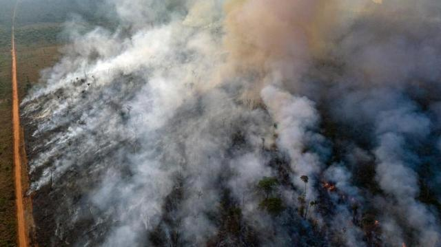 An aerial view of forest fire of the Amazon taken with a drone is seen from an Indigenous territory in the state of Mato Grosso | Autor: Handout/REUTERS/PIXSELL/REUTERS/PIXSELL