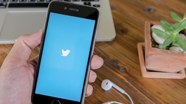 تويتر تسمح للمستخدمين بإدماج التغريدات بشكل أسهل