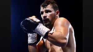 2BX Boxing Club head coach corners Jordy Weiss