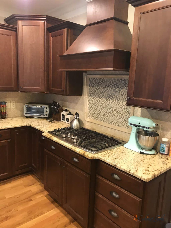 Nacre Kitchen With Tony Taupe Glaze 2 Cabinet Girls - Kitchen Cabinets Pantry