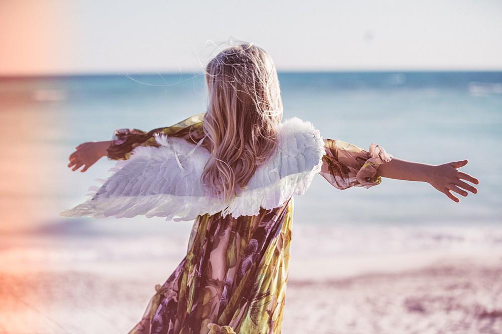 editoriale-moda-bambini-spiagge-bianche