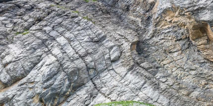 tektonischen Verwerfungen in Felswänden