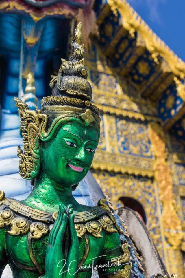 Wat Rong Seur Ten Blaue Tempel Chiang Rai