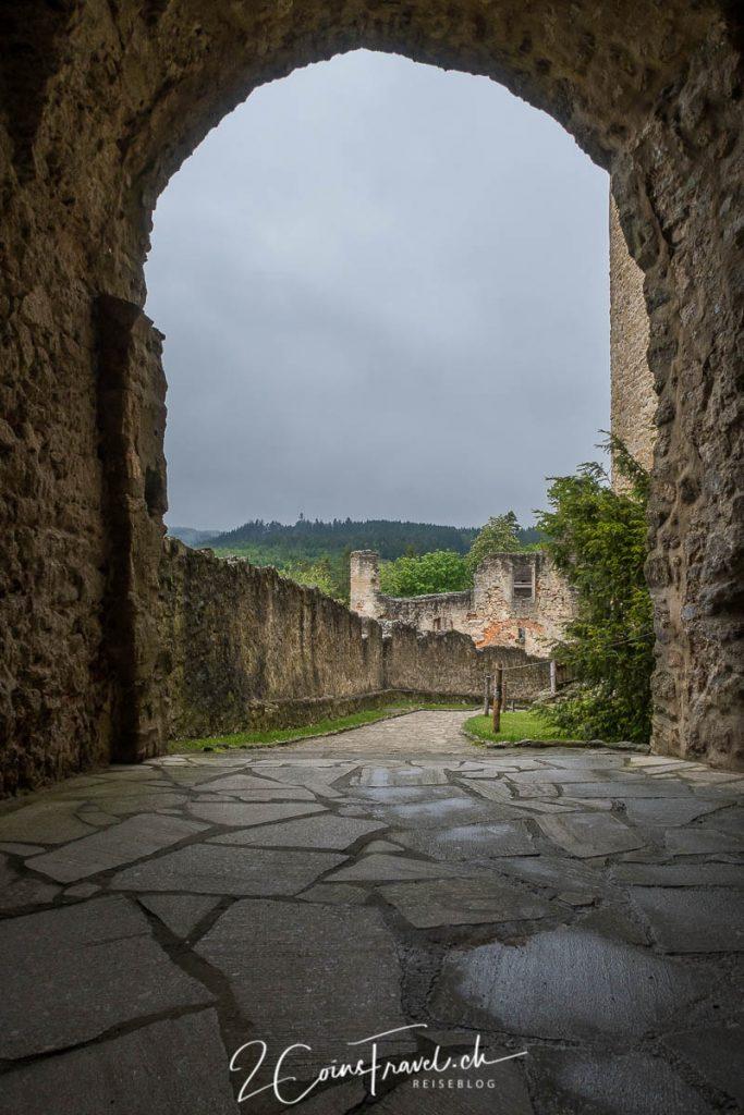 Burg Landstein Tor