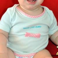 Reutilizar body roto de bebé como camiseta