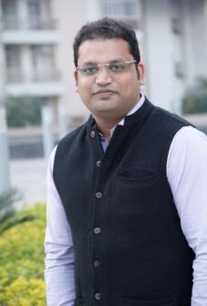 Nikhil Singhal, Managing Partnerr, 33 Vogue Entertainment