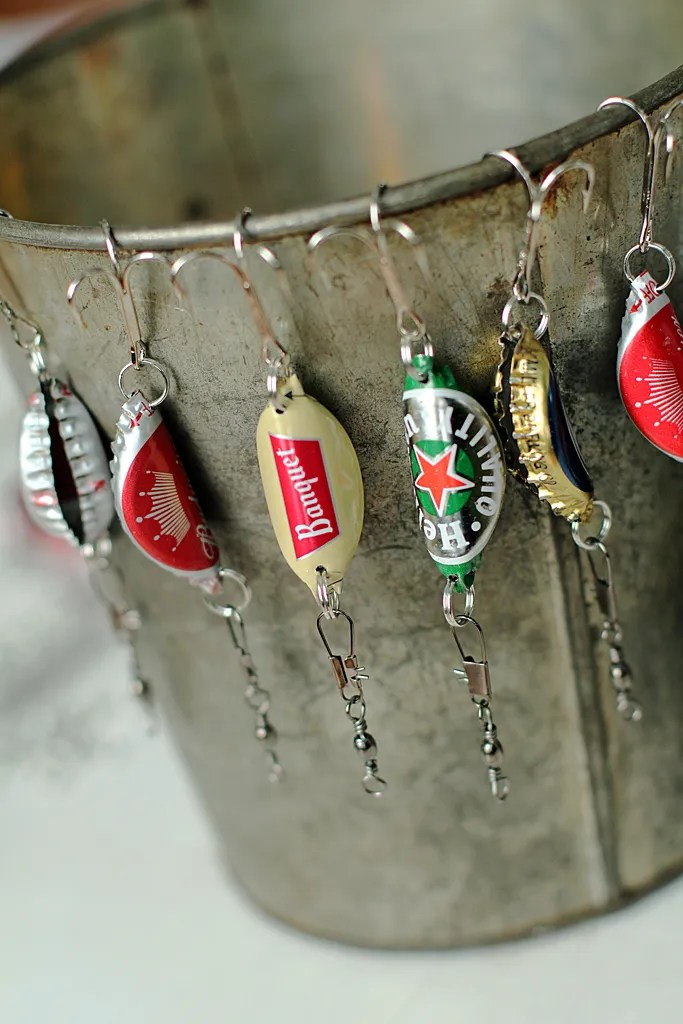 bottle cap fishing lures {handmade christmas presents for men}