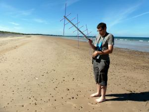 Peter 2E0SQL operating via a satellite from Lossiemouth east beach
