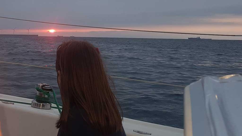 Puesta de sol desde velero