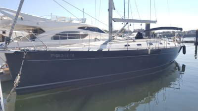 Alquiler velero Harmony 47 atracado en Getxo