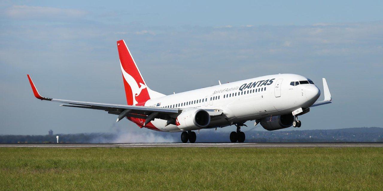 Nadi, Fiji – Here Qantas comes