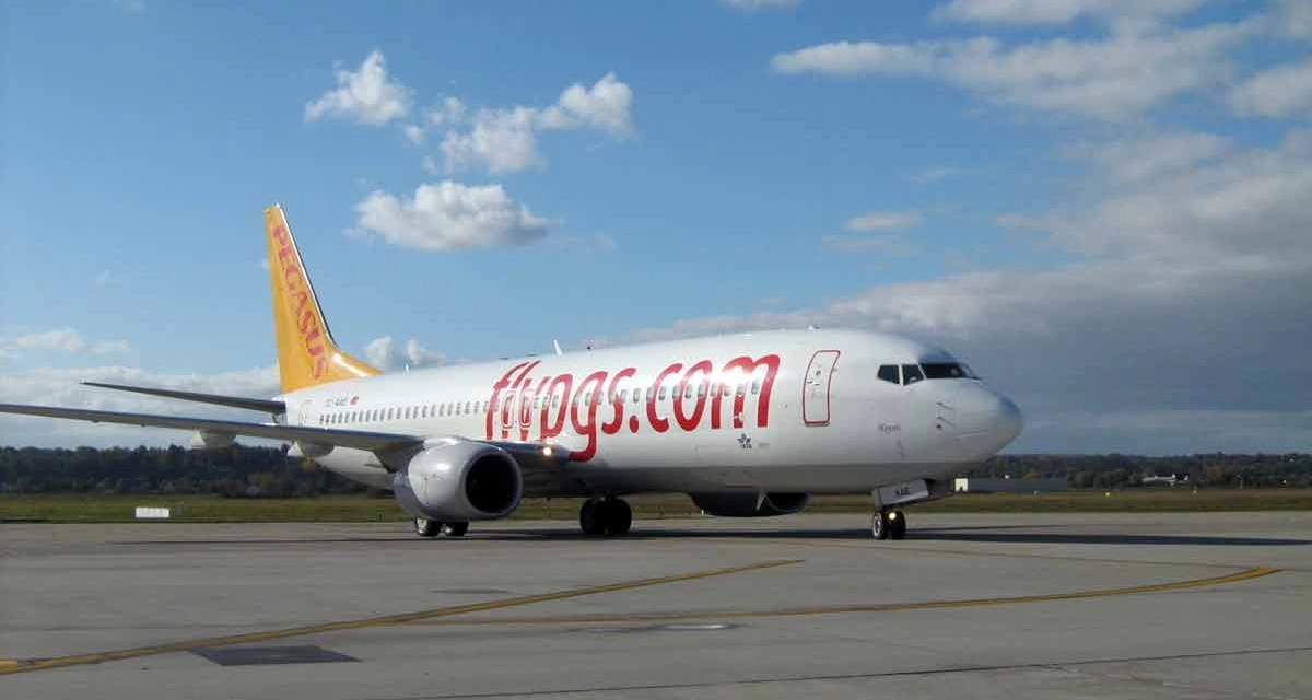 Istanbul: Pegasus B737 skids off runway. 52 injured in the crash