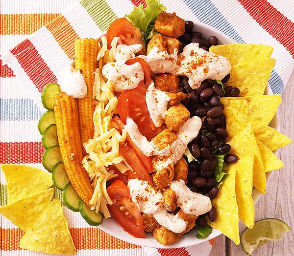 Healthy Mexican Taco Skyr Yogurt Salad : Healthy version of beautiful Mexican salad !