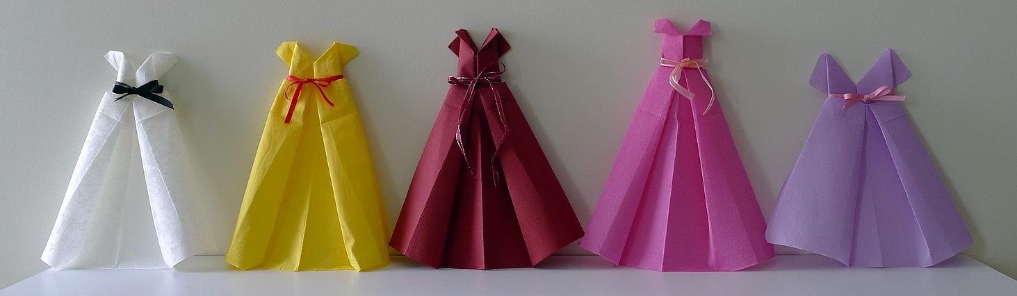 Pliage De Serviette En Papier En Forme De Robe De Soiree Plier Une Serviette De Table En Papier Realiser Une Robe En Papier Pour Feter Les Anniversaires Les Mariages Le Bal De