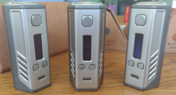 2Vape review LostVape Triade DNA 200 drie kanten